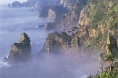 Mist on the cliffs (Kitayama)
